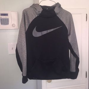 Boy Nike Dri-Fit Pullover - Size XL